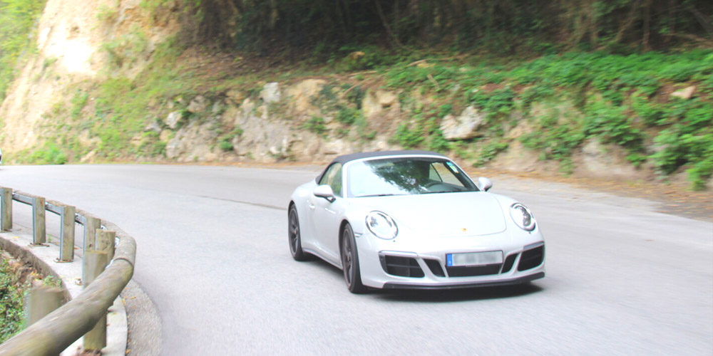 Porsche-911-GTS-Cabrio-991.2.